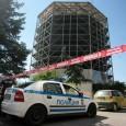 Платформа падна от 5-ия етаж и рани двама мъже