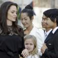 Анджи заведе децата на премиерата си в Камбоджа