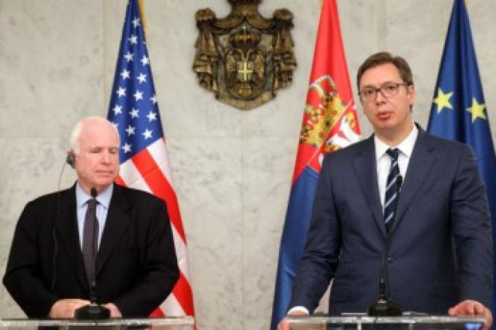 Броят на сърбите, готови да гласуват за влизане на страната