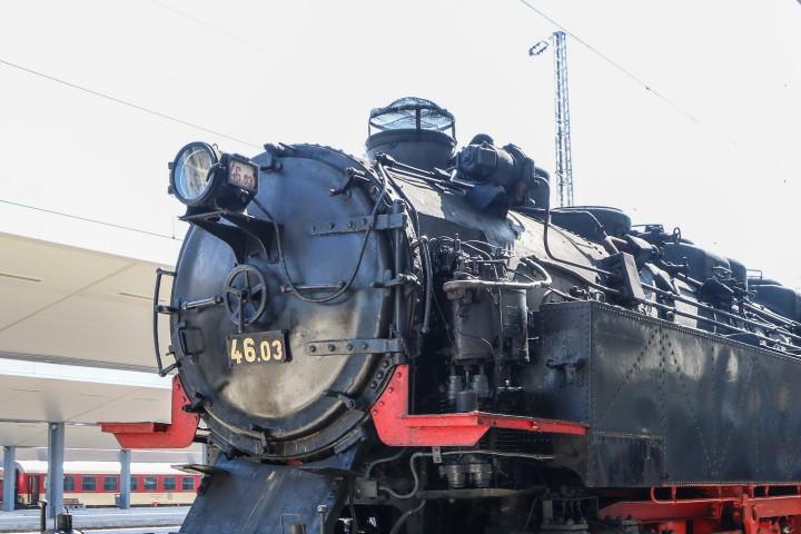 Влаковата композиция, с която чужденците ще пътуват из страната ни,