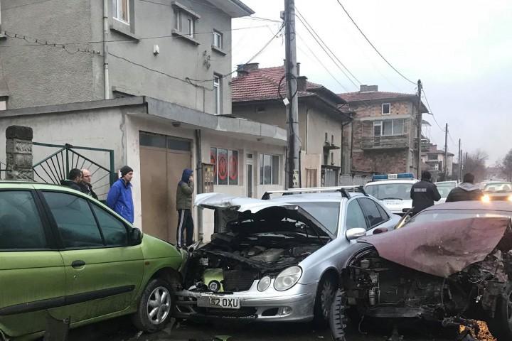 """Инцидентът е станал около 17 часа на ул. """"Капрони"""", когато"""