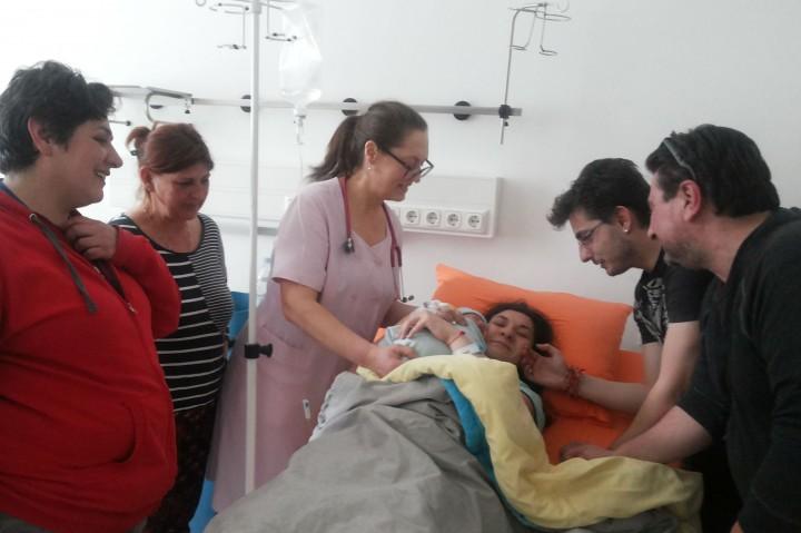 Бебето Никола изплака в 15:24 ч. на 16-ти март в