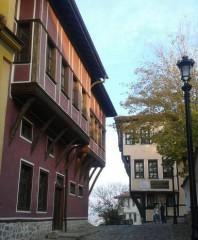 Баба Яга и седемте джуджета | Малка уличка в Стария Пловдив с красивите й къщи | 14 харесвания