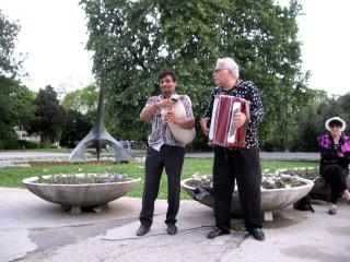 Laszlo124 | Улични музиканти | 14 харесвания